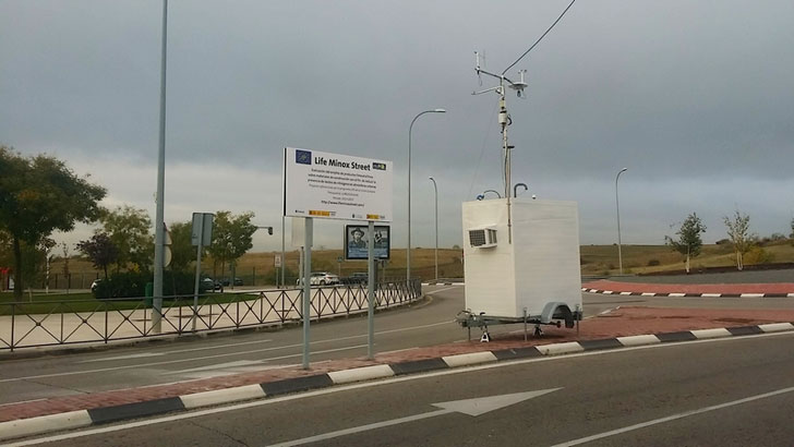 Unidad móvil de monitorización de parámetros meteorológicos y de la contaminación atmosférica urbana