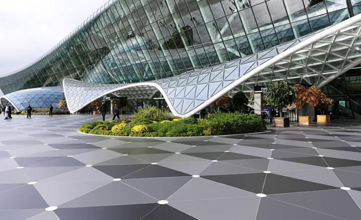 Piezas de Dekton en el exterior del Aeropuerto Heydar Aliyev-Bakú