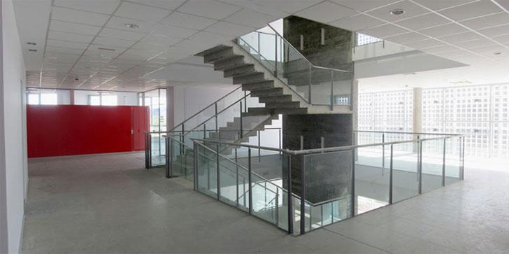 Interior del edificio LUCIA