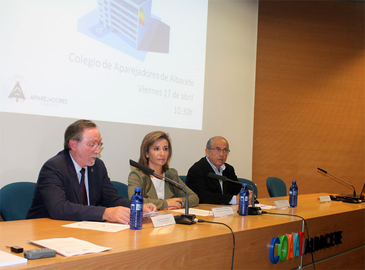 Marta García de la Calzada anuncia las ayudas para rehabilitación de Castilla La Mancha.