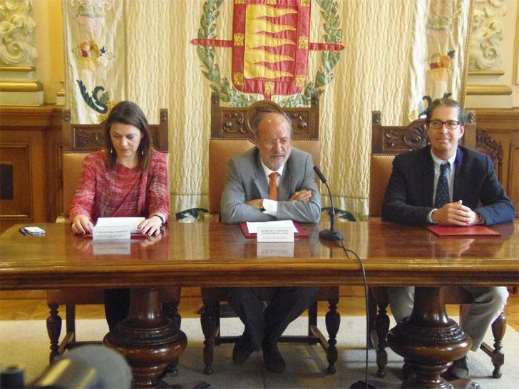 Firma del convenio del estudio de eficiencia energética en Valladolid.