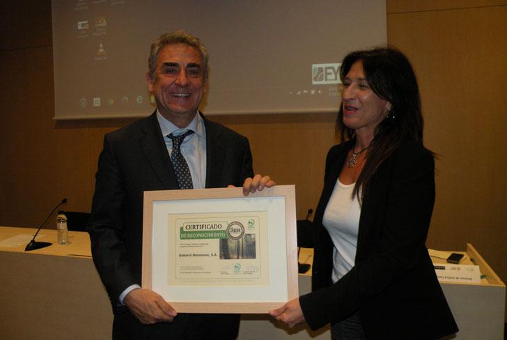Entrega del reconocimiento de empresa comprometida con la Sostenibildad Forestal PEFC.