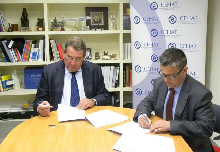 Firma del acuerdo entre Cosentino y CEHAT.