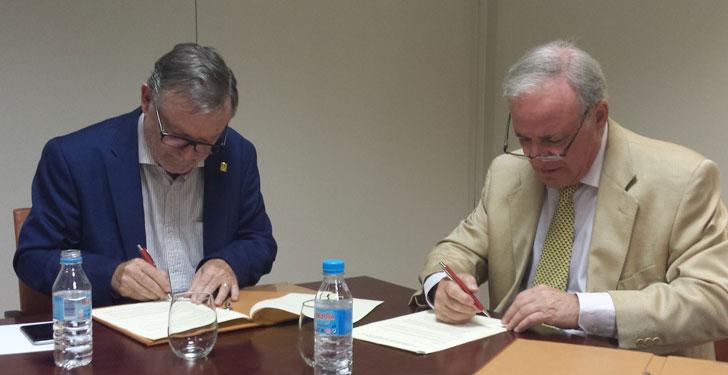Firma del acuerdo entre Fundación Laboral y CSCAE.