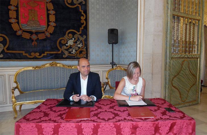 Firma del Plan Racha en Valencia.