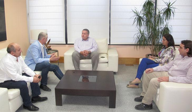 Reunión entre Francisco Bernabé y el alcalde de Albudeite.