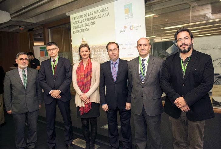Participantes en la presentación del estudio de las medidas fiscales y rehabilitación.