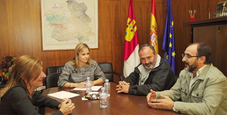 Reunión entre la consejera de Fomento del Gobierno de CLM y el secretario regional de UGT.
