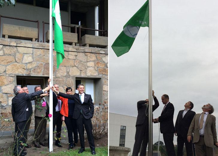Izado de la bandera verde en las Universidades de Vigo y A Coruña.