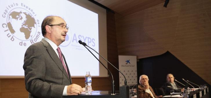 Presidente de Aragón, Javier Lambán, durante el anuncio de los nuevos compromisos ambientales.