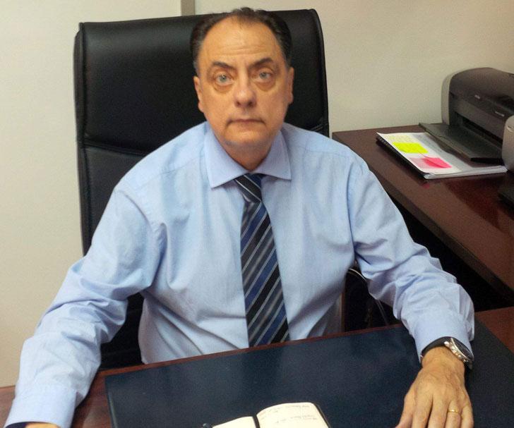 Esteban Hernández, Renolit