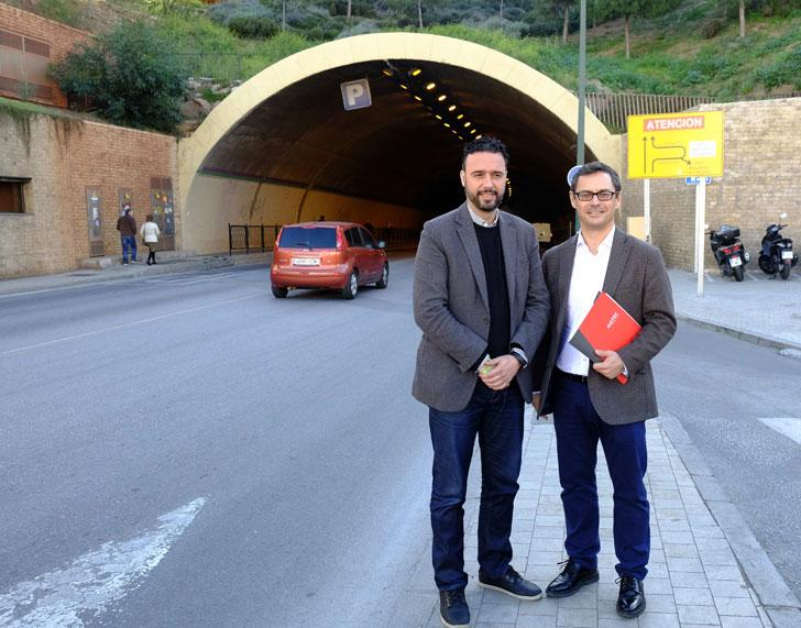 Concejal de Sostenibilidad Medioambiental del Ayuntamiento de Málaga, Raúl Jiméne y el director gerente de Aistec, Antonio Jiménez.