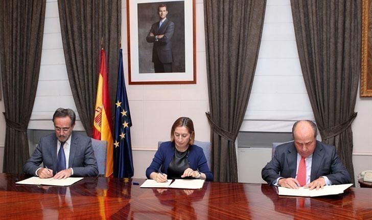 Firma del convenio para rehabilitar el barrio de Santa Adela.