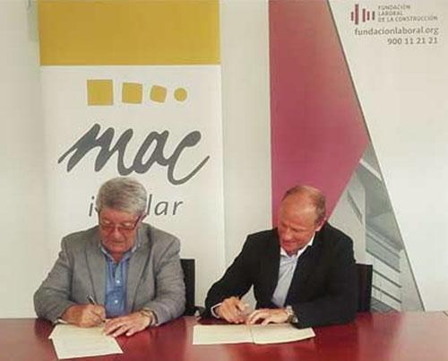 Firma del convenio de colaboración entre Fundación Laboral y Mac Insular.