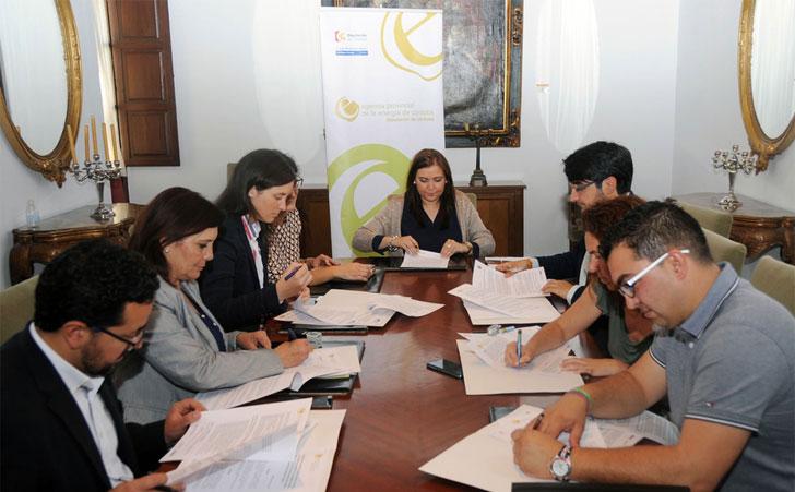 Córdoba firma acuerdos de sostenibilidad con 6 municipios.