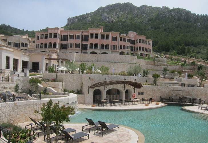 Piscinas del complejo hotelero.