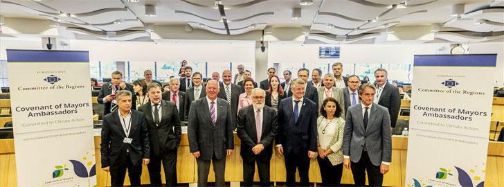 Miembros del grupo de Embajadores del Pacto de Alcaldes del Comité Europeo de las Regiones tras la celebración del Foro de lanzamiento.