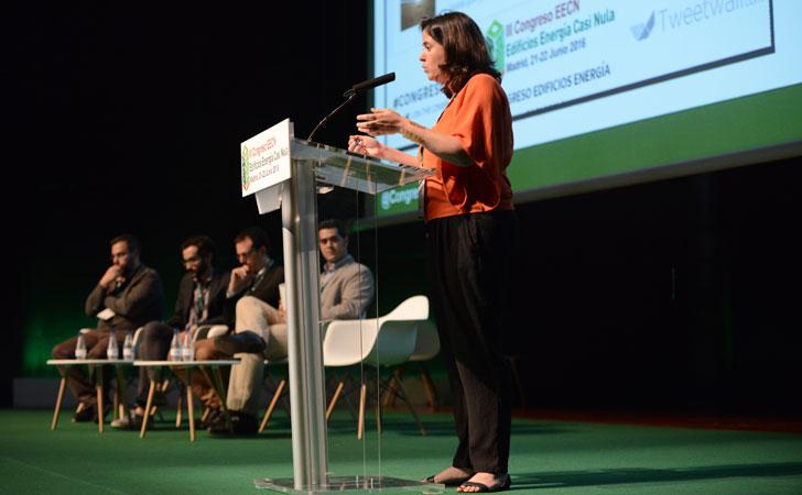 Primer bloque de ponencias del  III Congreso Edificios Energía Casi Nula moderado por Dolores Huerta