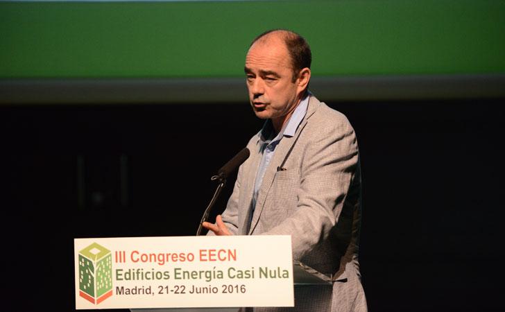Carlos Expósito, director de Alia en su internvención enIII Congreso Edificios Energía Casi Nula.