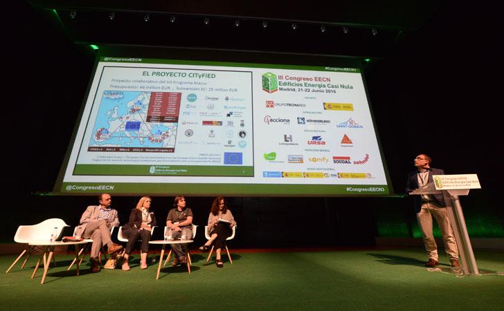 César Valmaseda de Fundación CARTIF presenta un plan de mejora de eficiencia energética en 576 ciudades.
