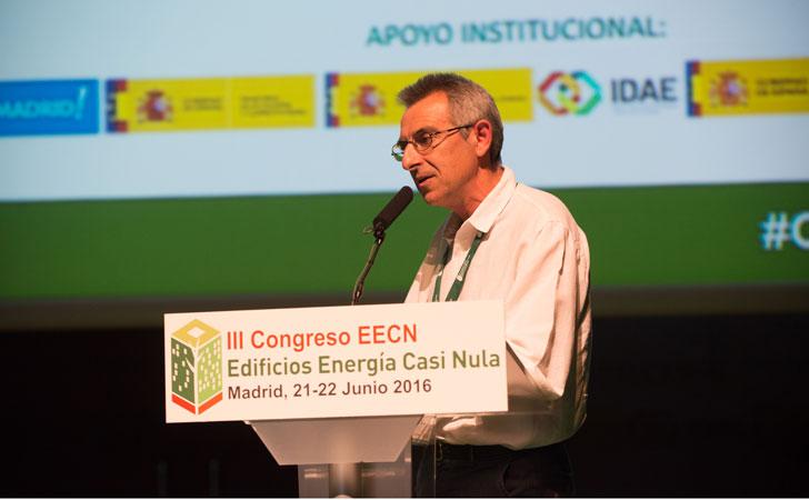 Alberto Monreal, arquitecto CEO de Arquitecturas Naturales, en su intervención en III Congreso Edificos Energía Casi Nula.