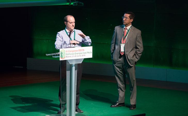 Manuel Sánchez y Cladio Javier García en su intervención sobre geotermia.
