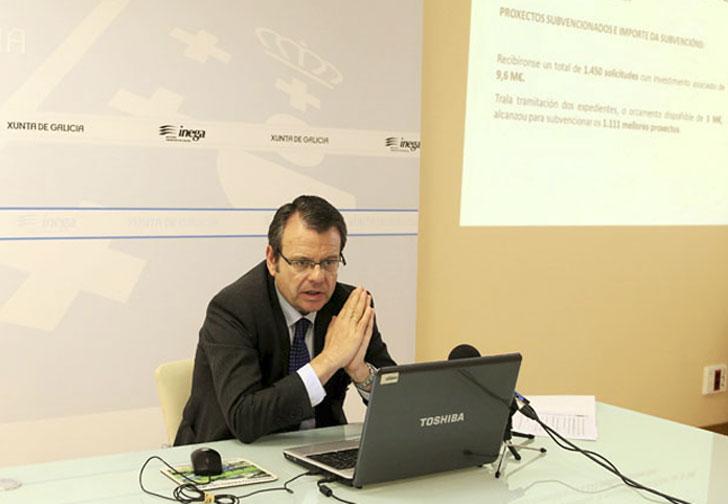 El director general de Energía y Minas, Ángel Bernando, presenta las convocatorias públicas de Inega para solicitar ayudas a la eficiencia energética y las renovables.