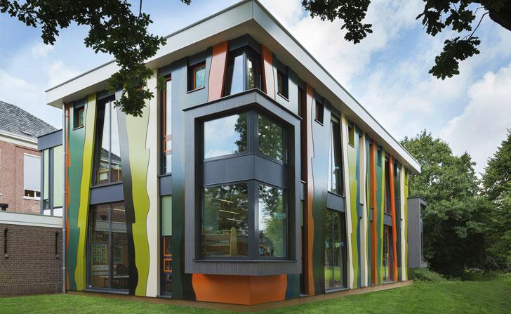 Rockpanel Brilliant imita las formas de los árboles con fachadas curvadas en una escuela de Holanda.