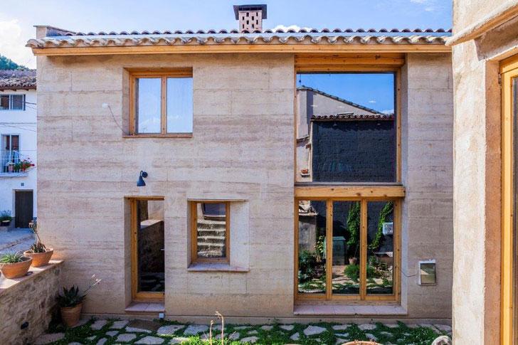Casa tapial de Huesca que gana el premio Terra Award 2016.