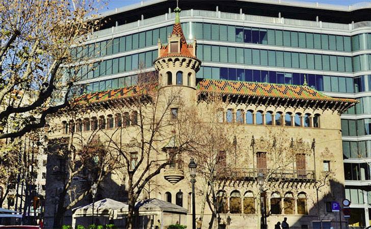Edifiico Can Serra, sede de la Diputación de Barcelona. La Diputación aprueba un programa de lucha contra la pobreza energética en 200 municipios.