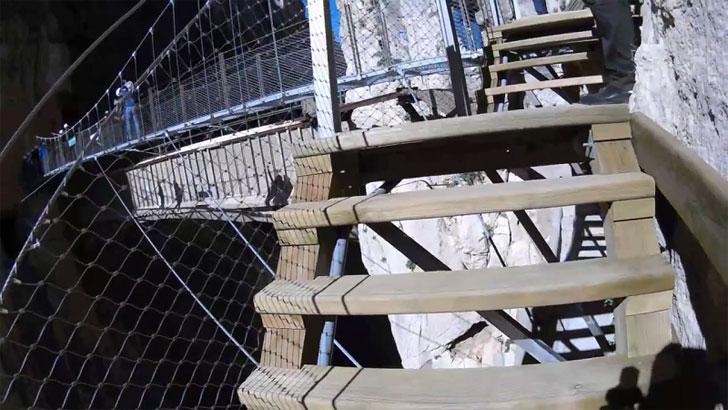 El producto de FYM permite la estabilización de suelos de madera natura.