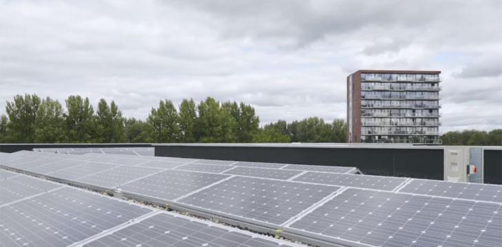 Paneles solares del instituto Liceum Schravenlant.