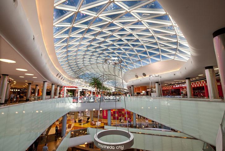 Centro comercial que sigue el Manual de Operaciones Sostenible de Centros Comerciales.