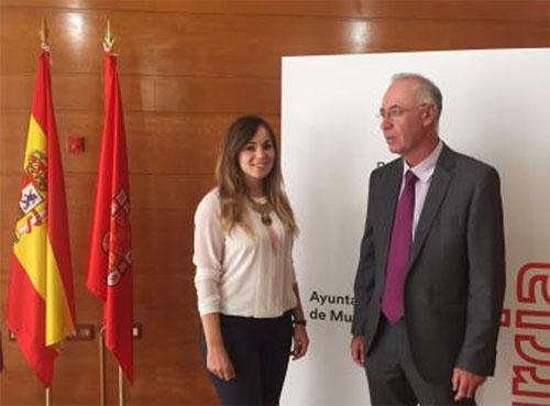 Murcia y la UPCT firman un acuerdo para analizar el planeamiento urbano.