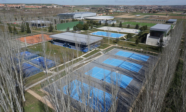 Pavimentos Sika en el centro deportivo de la Aldeahuela en Salamanca.