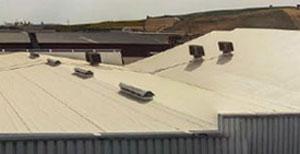 Impermeabilización Sostenible en la cubierta de una nave industrial