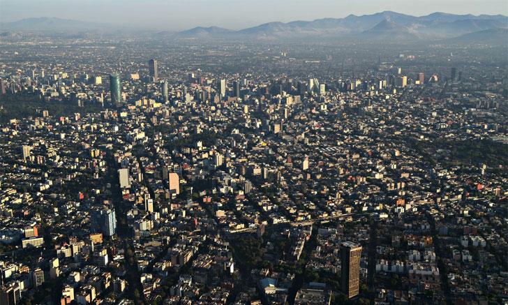 Vista aérea de una de las ciudades de México, país que fortalece su política de vivienda.