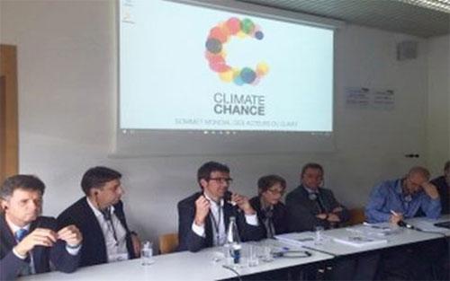 Vitoria presenta su estrategia de cambio climático en Nantes.