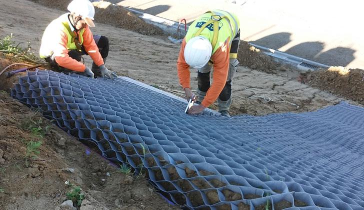 La zona ajardinada de Ikea-Alcorcón cuenta con sistemas que optimizan el consumo de agua.