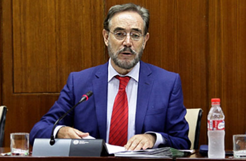 Felipe López anuncia la licitación de casi 24 millones de euros en obras de rehabilitación edificatoria.