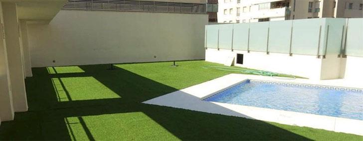 Grupo Puma participa en la rehabilitación de la cubierta de unos edificios residenciales en Málaga.