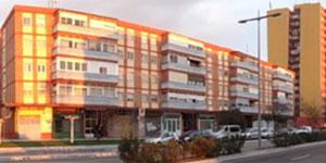 Rehabilitación energética del barrio residencial Fasa-Renault con criterios de distrito de energía casi nula dentro del proyecto Faro Remourban