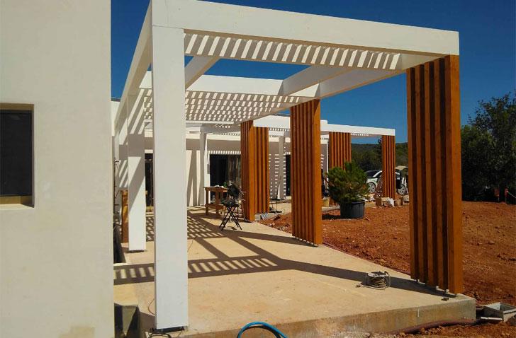 La vivienda, ubicada en Ibiza, aúna ahorro energético con poco impacto medioambiental.
