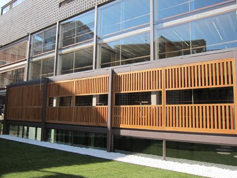 Escuela Infantil y piscina