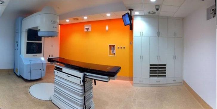 Sala de Radioterapia en Hospital Diseño Vela & Salvador Arquitectos