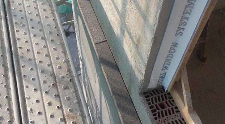 bandas de estanqueidad en premarcos de ventanas.