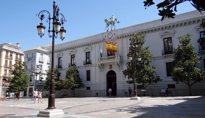 El Ayuntamiento de Granada ha presentado su Plan de Calidad del Aire orientado al año 2020.