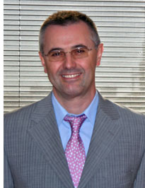 Francisco Javier Fernández Campal, Director General de Saint-Gobain Isover, es el Presidente de la Fundación.
