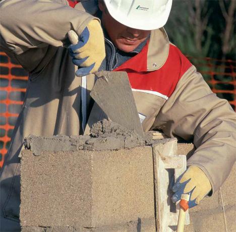 Mastercrem, cemento resistentes adecuado para trabajos de mampostería y enfoscado