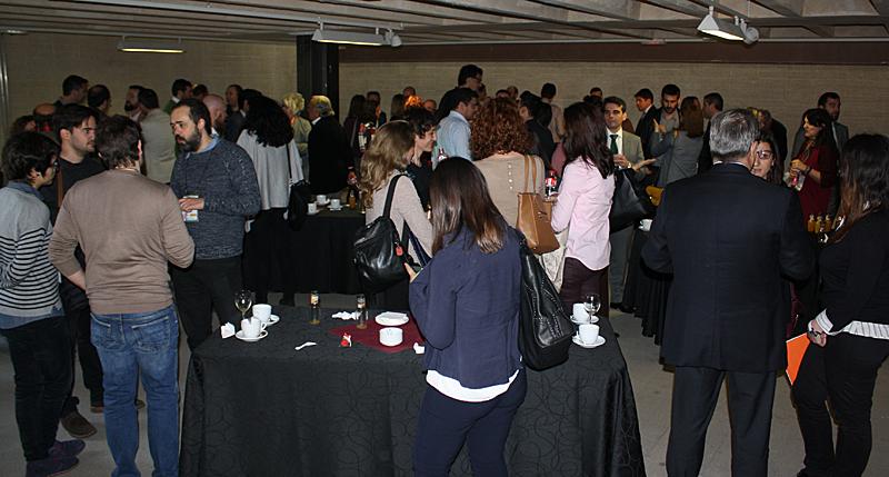 Café y networking antes de iniciar las Mesas de Trabajo del Workshop EECN.